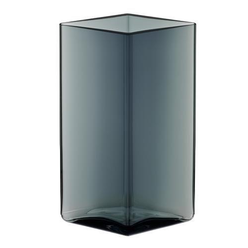 iittala Ruutu Vase 11,5 x 18 cm Jetzt bestellen unter: https://moebel.ladendirekt.de/dekoration/vasen/tischvasen/?uid=dbcd82e6-05dc-5f8f-ae41-5febe09dec10&utm_source=pinterest&utm_medium=pin&utm_campaign=boards #tischvasen #vasen #dekoration