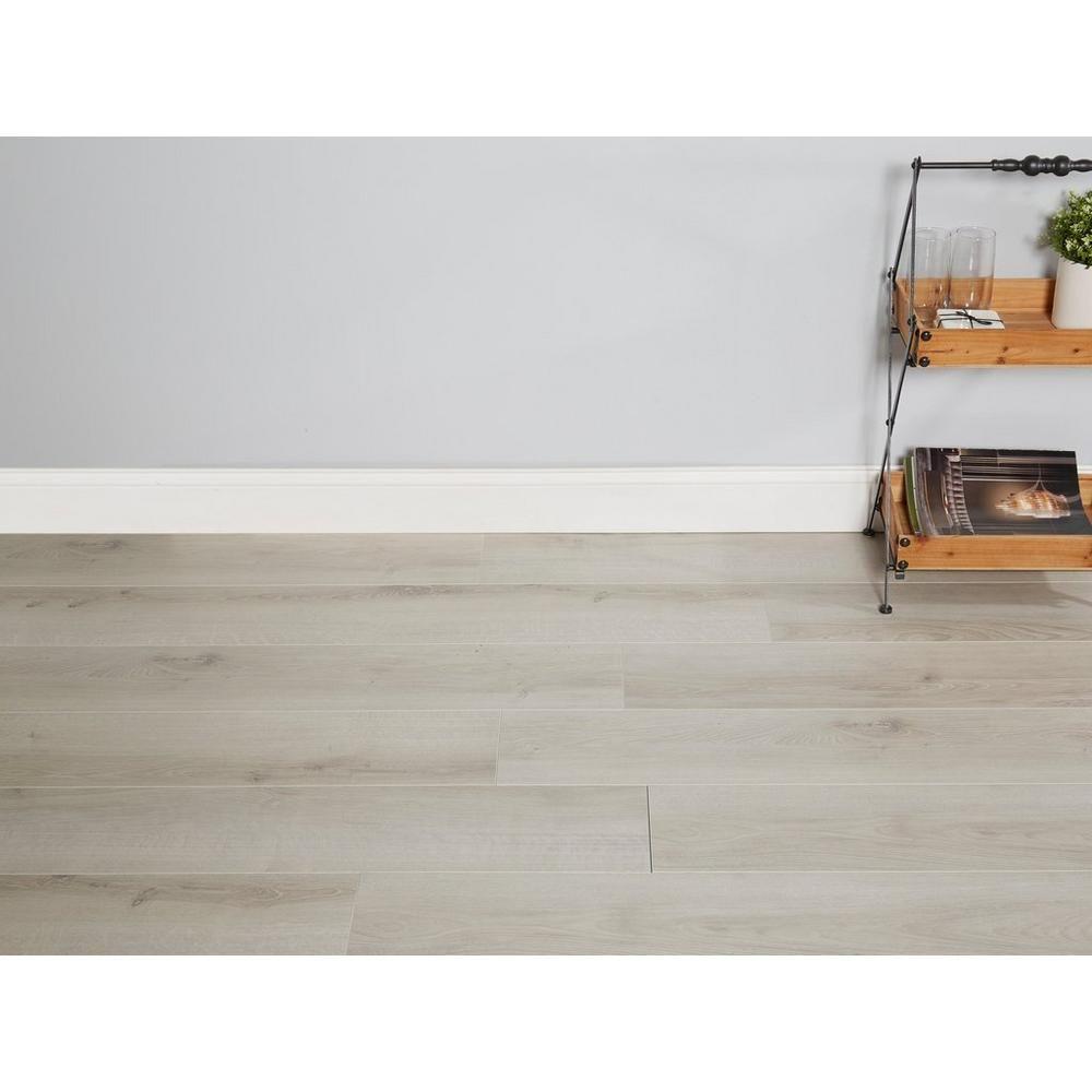 Bay Breeze Oak Gray Water Resistant Laminate In 2020 Bay Breeze Luxury Vinyl Tile Luxury Vinyl Plank