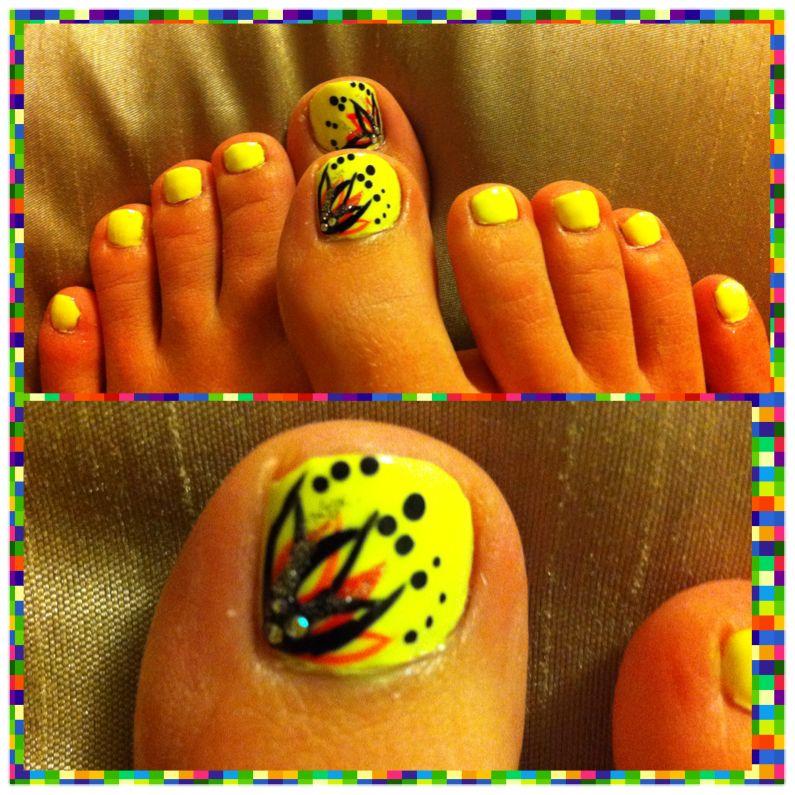 Neon yellow toe design #pedicure #nailart | finger art | Pinterest ...