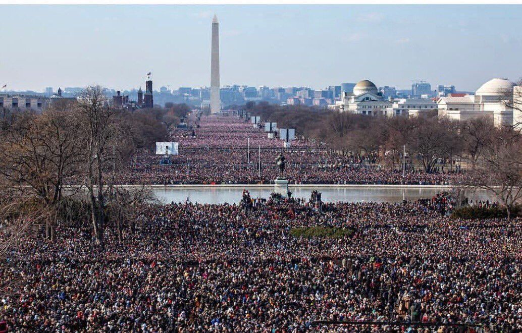 10 Years Ago Today Largest Inaugural Crowd In History 1 20 09 Inauguration Barack And Michelle History