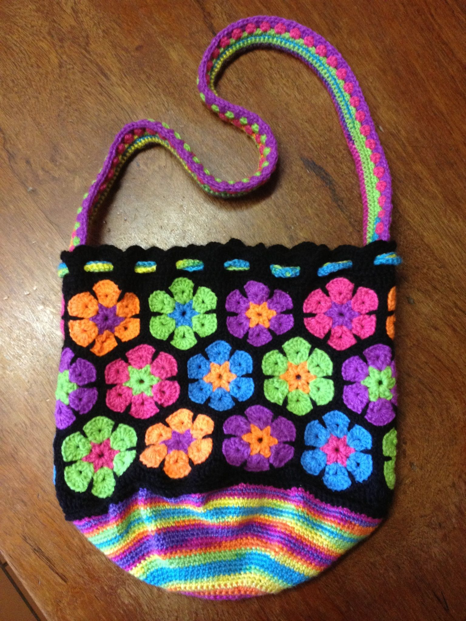 My second African flower bag :) no pattern just ...