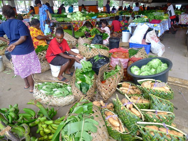 Drinking Kava in Vanuatu (With images) | Fresh market ...