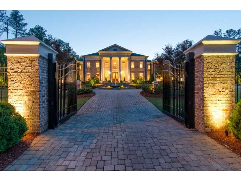 I Need To Find Myself A Husband Who Will Spoil Me With A House Like This Mansions House Entrance Colonial Mansion