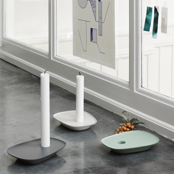 Muutou0027s Float Candleholder Features A Beautiful Design That Resembles A  Small Boat Floating On The Water