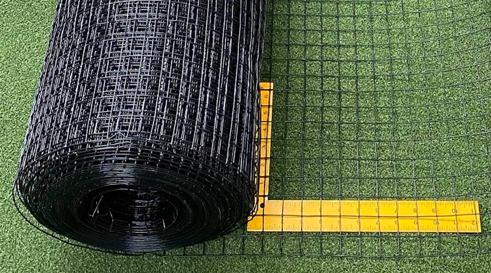 Critterfence Black Steel 1 Inch Square Grid 2 X 100 In 2020 Black Steel Welded Wire Fence Chicken Wire Fence