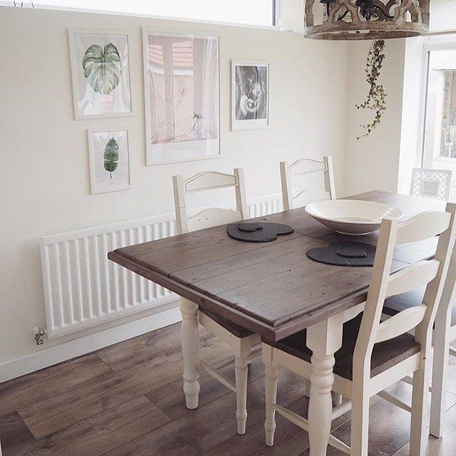 We're loving Caitlin's beautiful dining room featuring our country chic Carisbrooke dining table and chairs. Thanks for sharing @summerbell.home