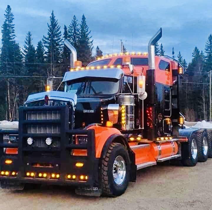 Pin By Aksledhead75 Tommy Boy On Lv Big Rigs Big Trucks
