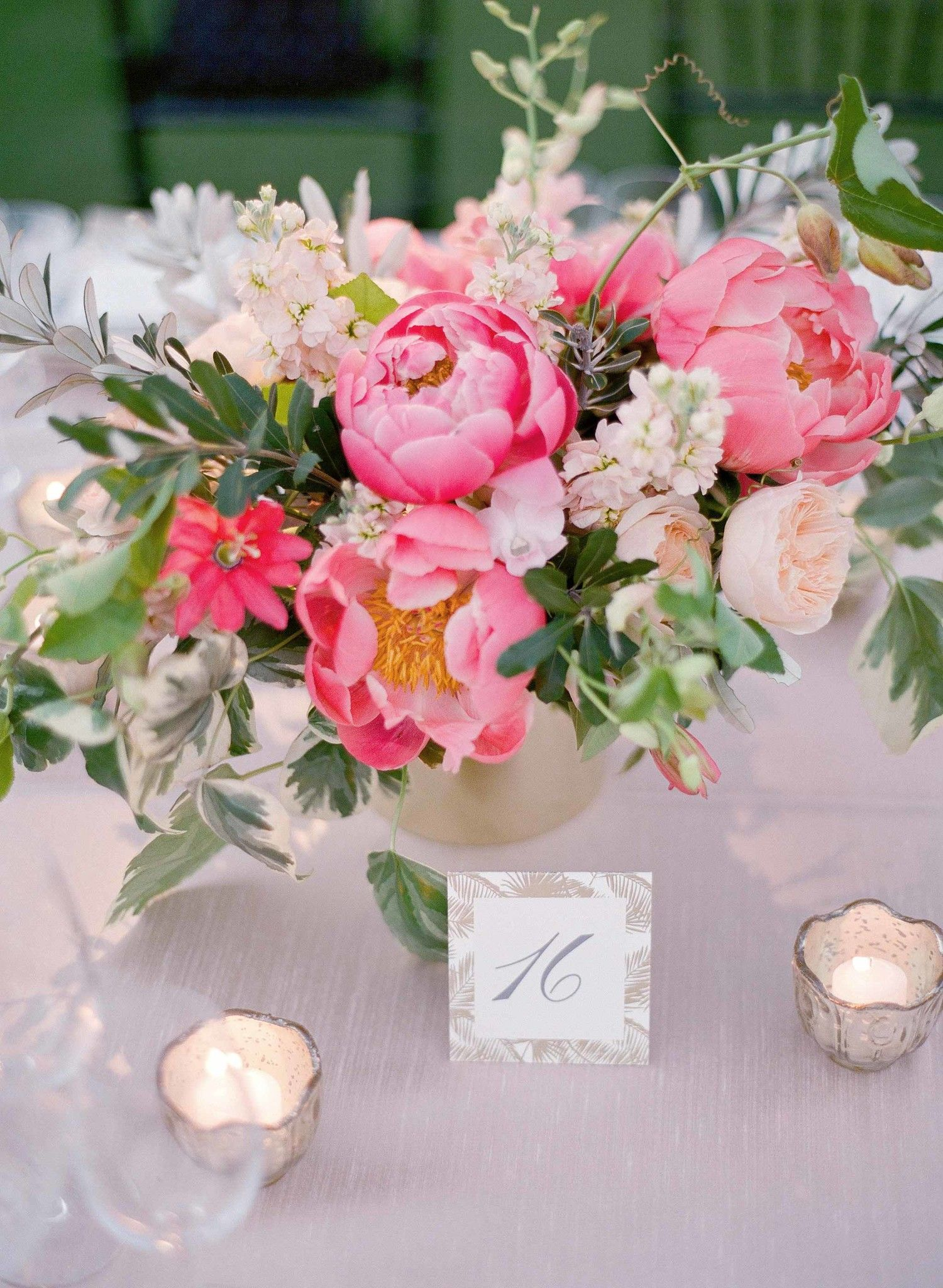 Stunning Summer Centerpieces Using In-Season Flowers | Pinterest ...