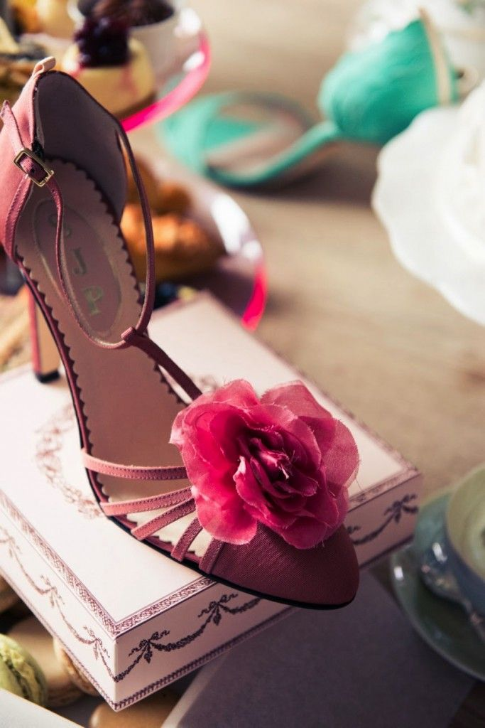 Sarah-jessica-parker-shoes-collection-2014-16