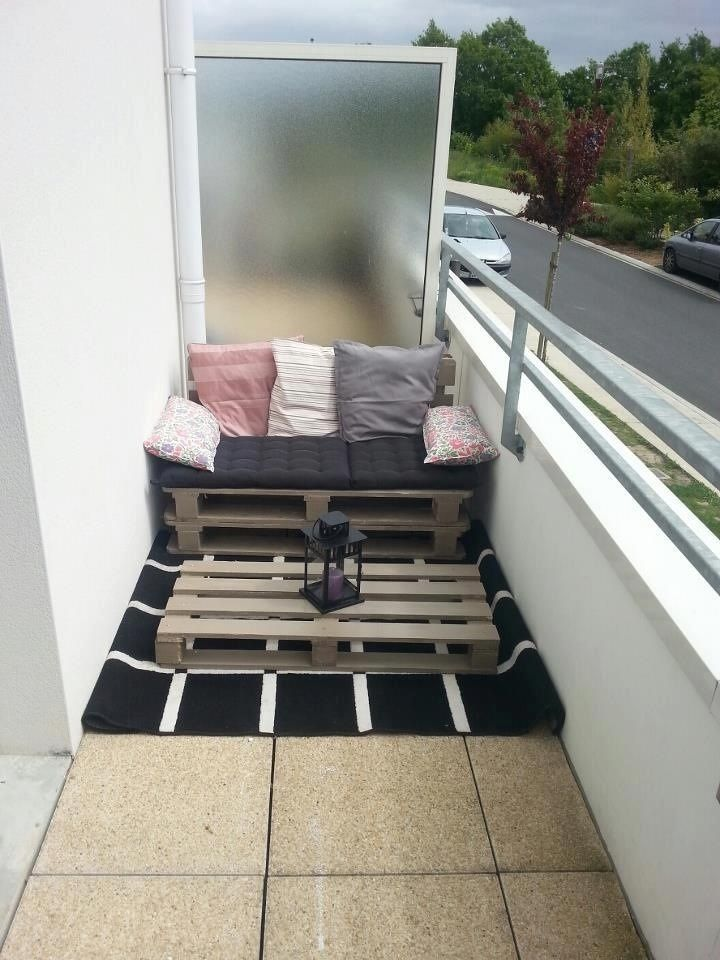 Épinglé par Zeenat Charoliya sur My balcony | Balcon, Deco ...