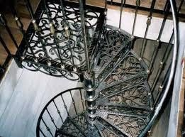 escalier en colima on spiral and strange stairs. Black Bedroom Furniture Sets. Home Design Ideas