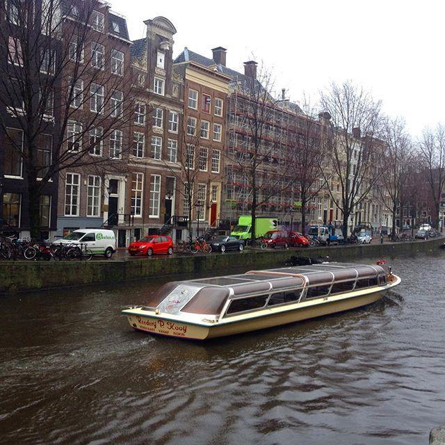 """Amsterdam is beautiful!  #amsterdan #amsterdamcity #holanda #tripaddicts #trip #travel #travelers #travelgram #travelgram #travelling #like4like #likeforlike #like4follow #likeforfollow #follow4follow #followforfollow #followmefaraway #f4f #carnaval2017"