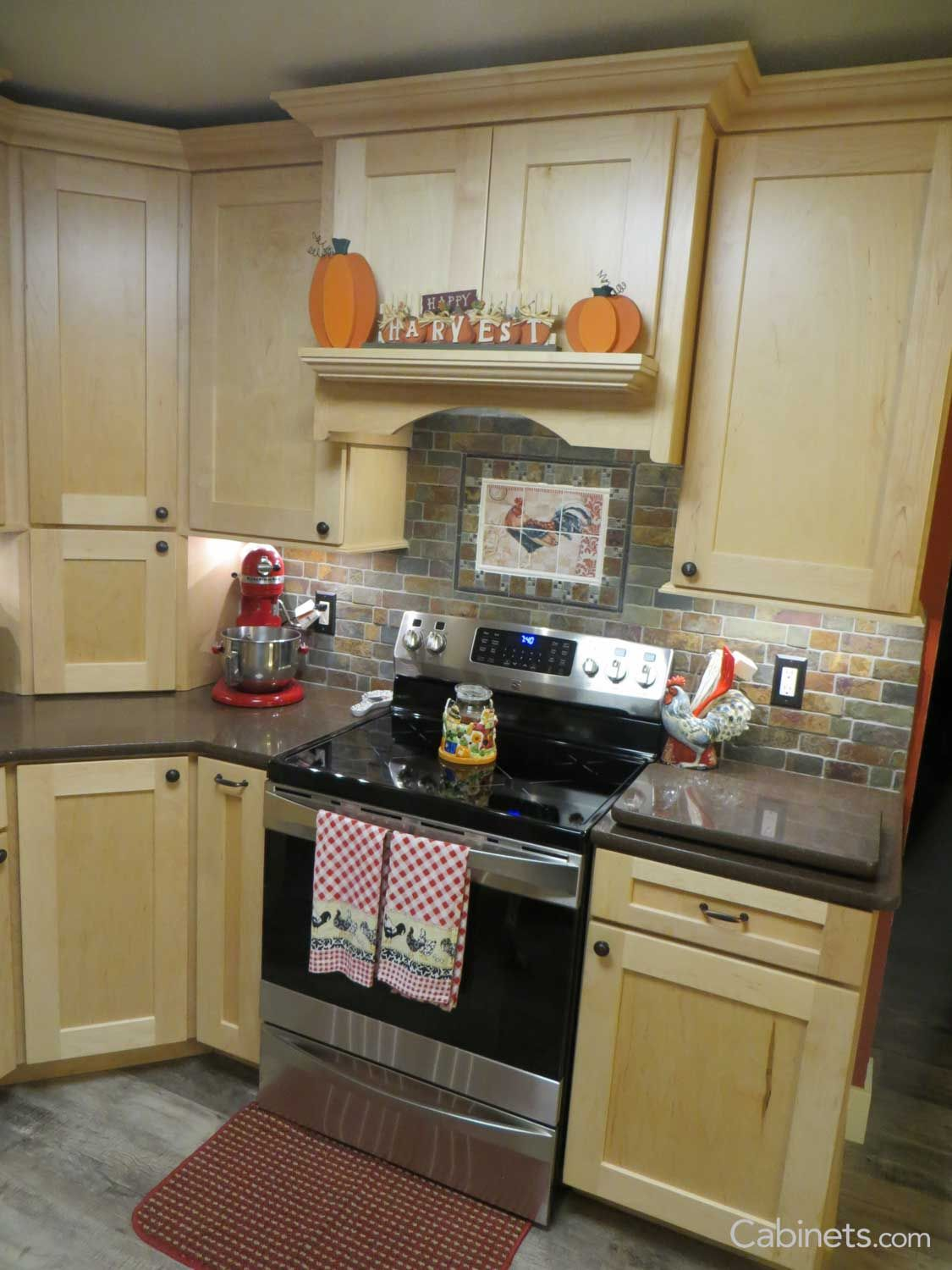 shaker ii maple natural in 2019 kitchen cabinet door styles kitchen cabinets farmhouse on farmhouse kitchen maple cabinets id=56946