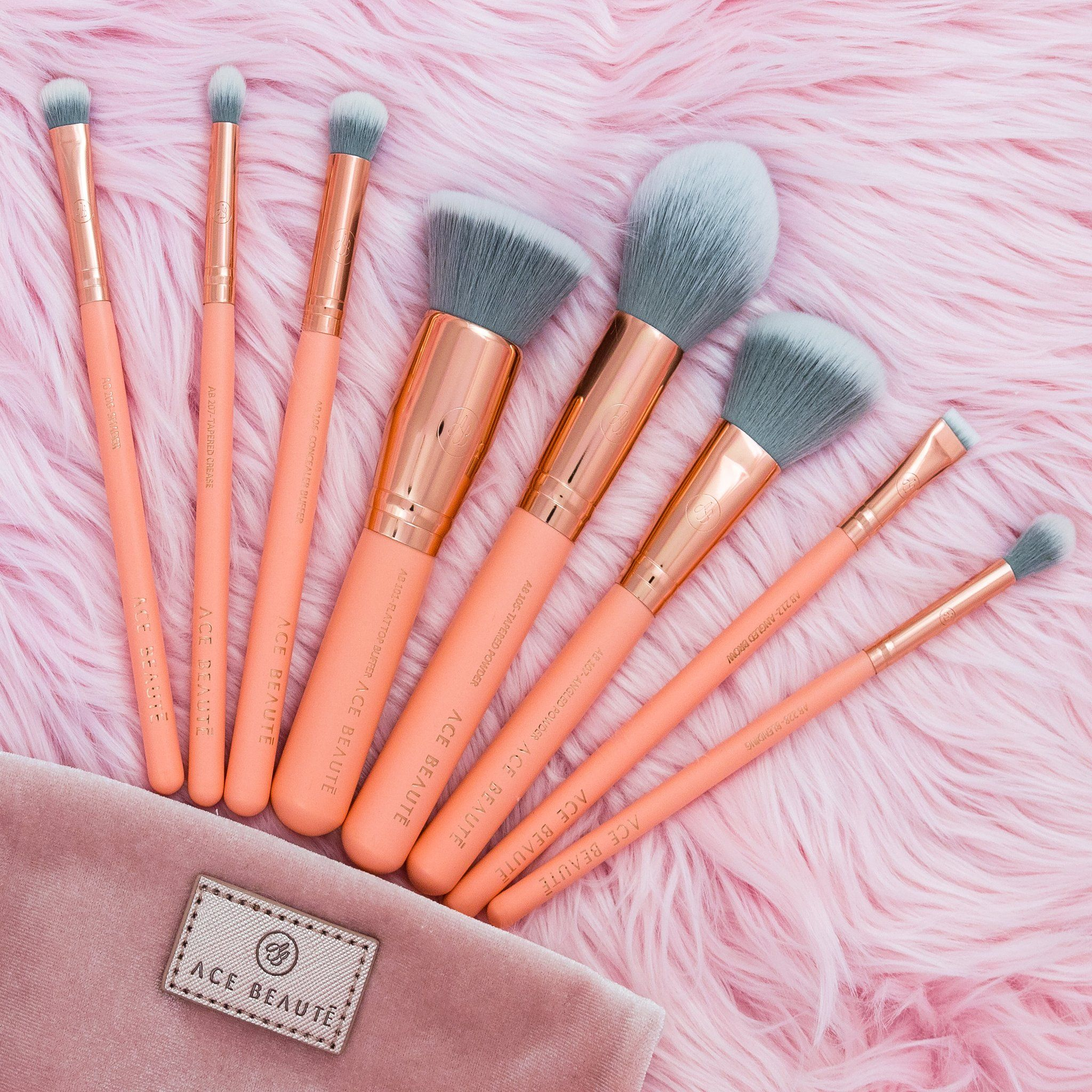 8 piece Brush Set + Velvet Pouch Contouring and