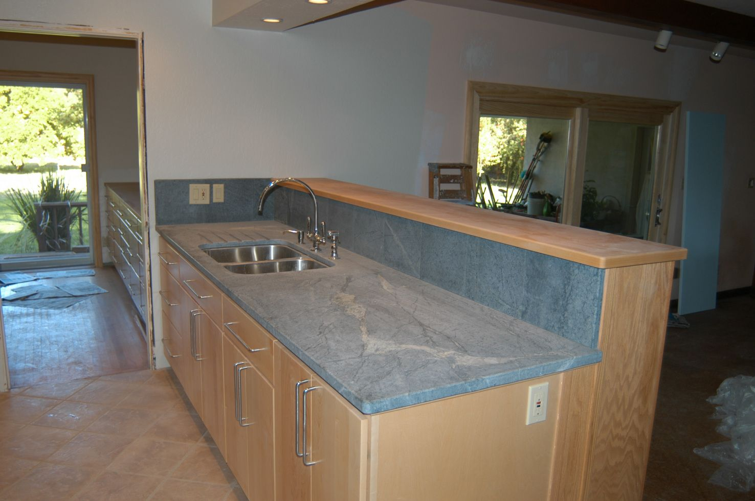 Corian Kitchen Countertops Free Standing 2018 What Is The Difference Between Granite Quartz And