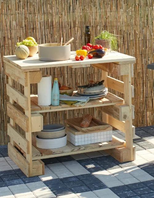 DIY : fabriquer une desserte en bois de palettes