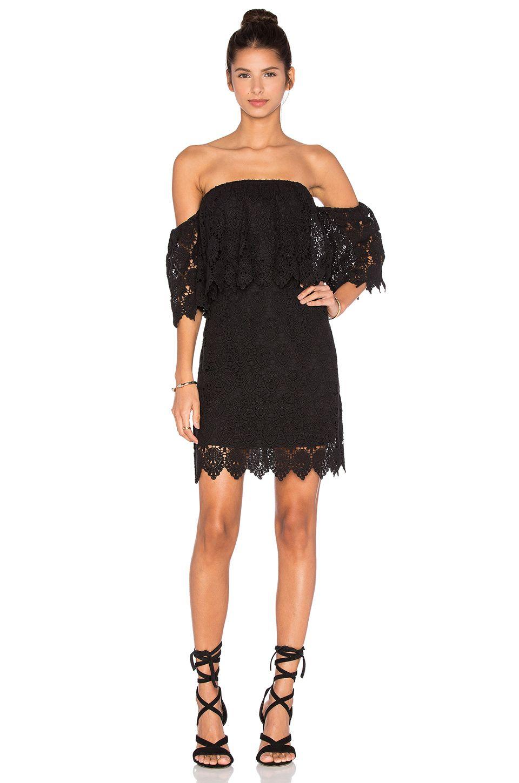 Siyah Kısa Dantel Elbiseler