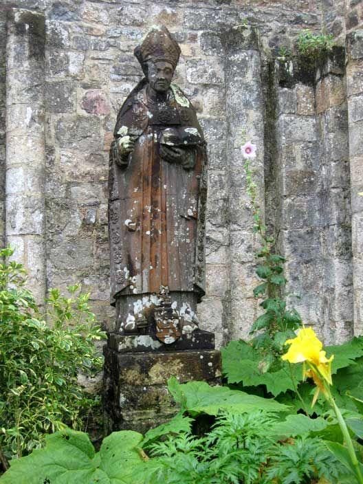 Abbaye Saint Guénolé de Landévennec (Bretagne). Saint Guénolé