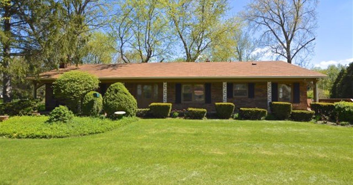 8415 sunset lane indianapolis in 46260 209900 2 beds