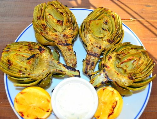 Grilled Artichokes with Garlic and Chive Aioli