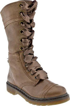 Dr. Martens Triumph 1914 W 14-Eye Boot (Women's) vk3LKRI
