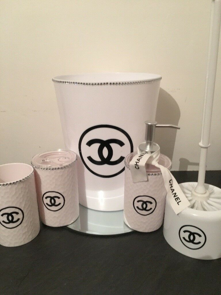 New 9 Piece White Chanel Bathroom Set In Portsmouth Hampshire