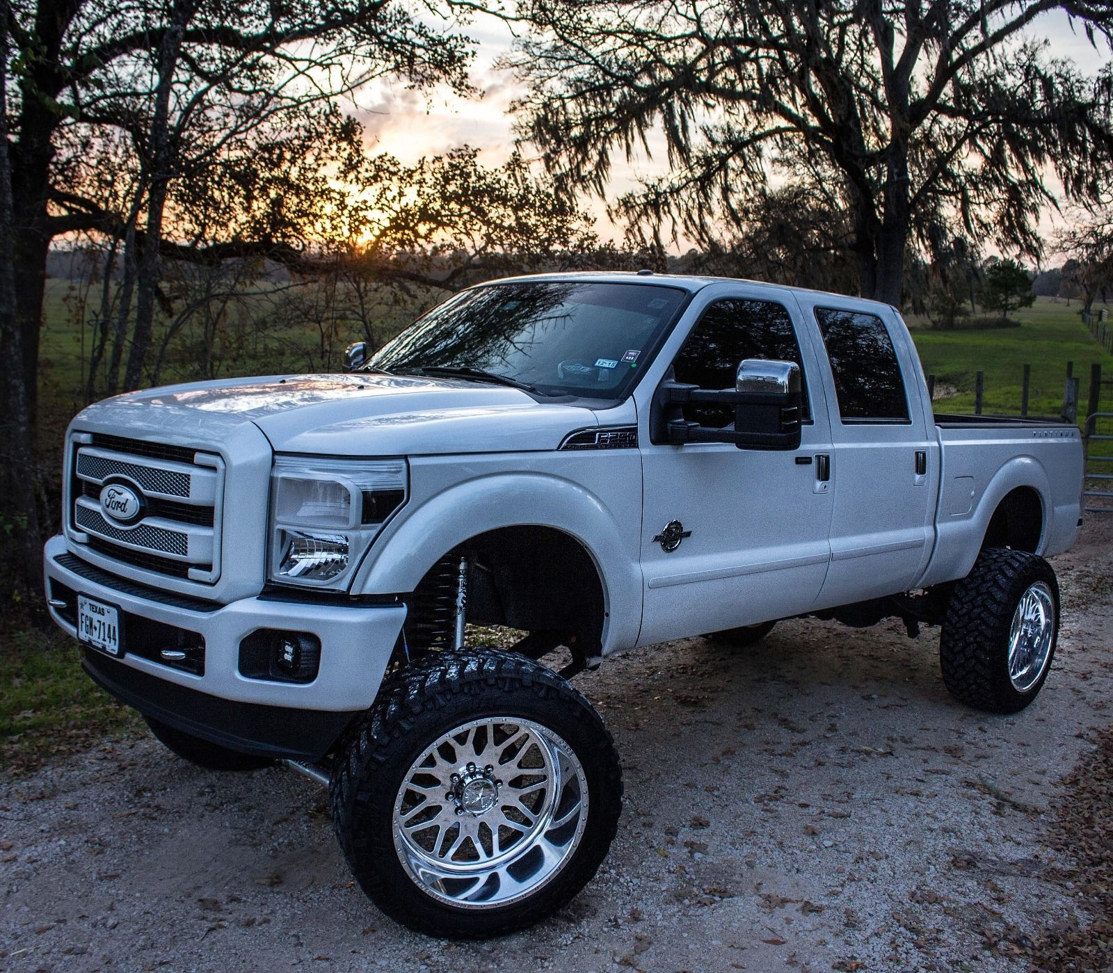 2013 ford f250 platinum show truck