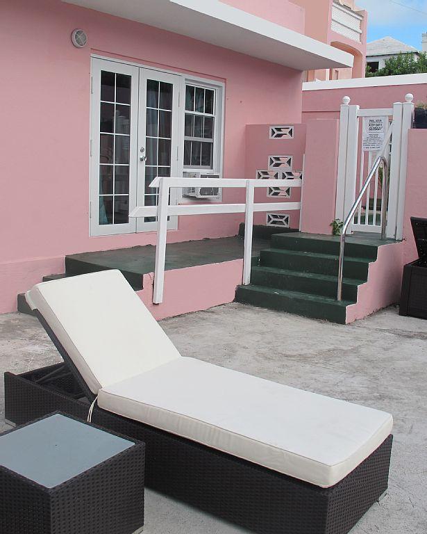 Apartment Rental Site: Newly Renovated, Stylish Studio Apartment...