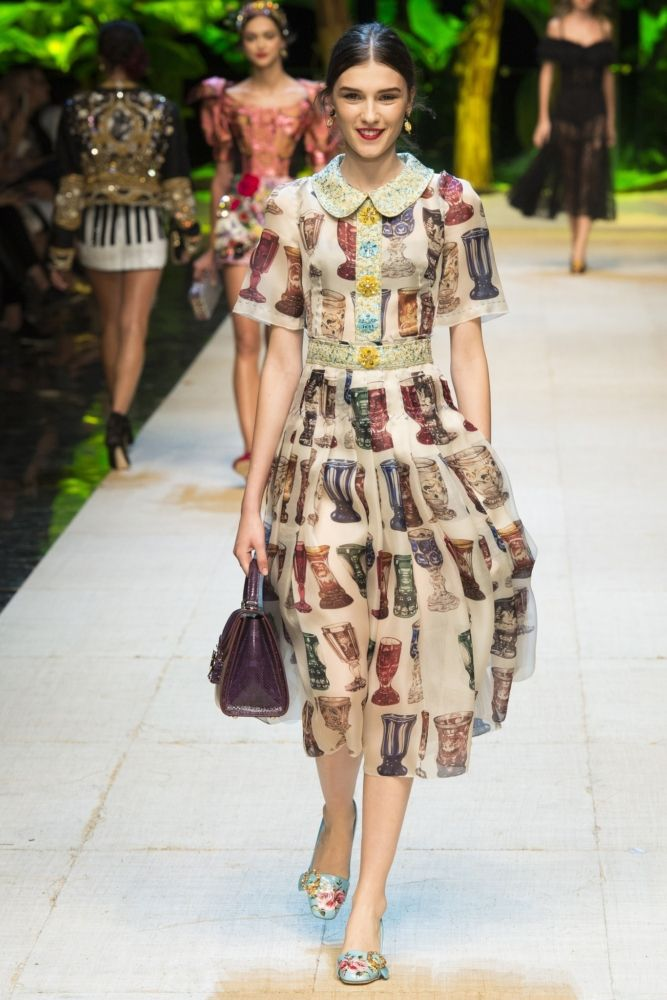 Dolce & Gabbana Spring 2017 Ready-to-Wear Collection