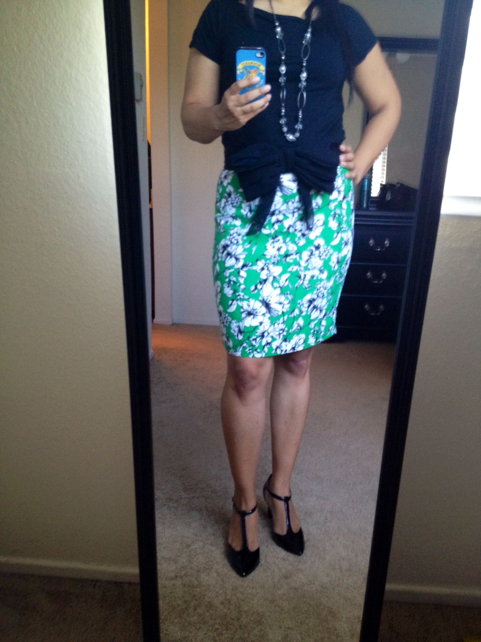 Work Outfit Black Blouse Green Skirt With White And Black Flowers