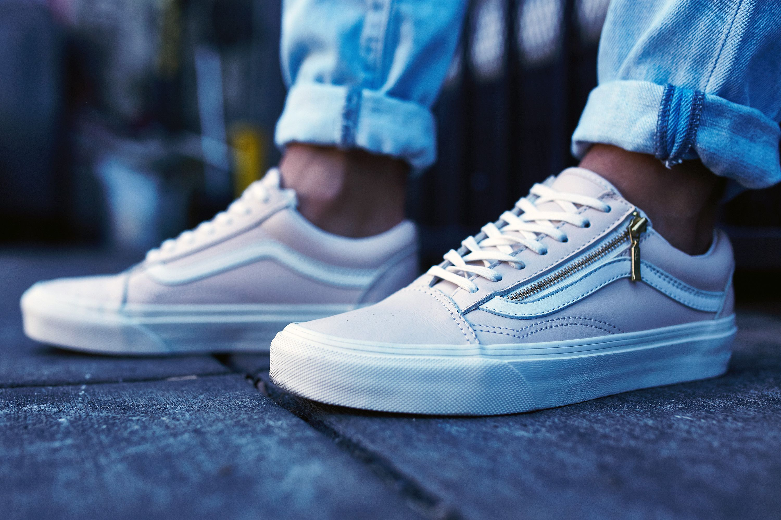 0e9173927b3b56 On-Foot Look    Vans Old Skool Leather Zip