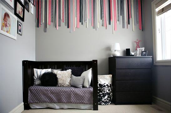 Tendance, la chambre bébé grise et rose de Lila Baby room grey