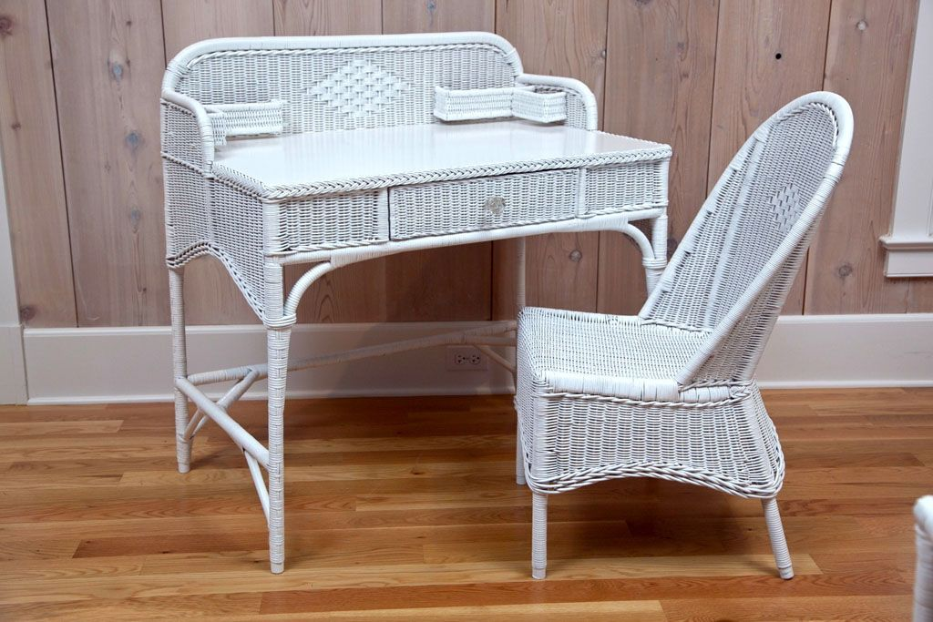 Antique Deco Wicker Desk and Chair - Antique Deco Wicker Desk And Chair ღ Sweet Thoughts Of Mom & Dad