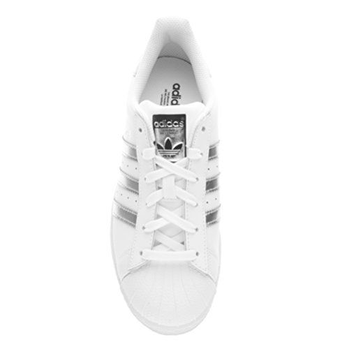new style 1d864 236c7 ... presentata in anteprima da Armadio Sportivo 🙂 Non farti scappare le  Regine indiscusse delle sneaker fin dagli anni  80, le scarpe adidas  Superstar.