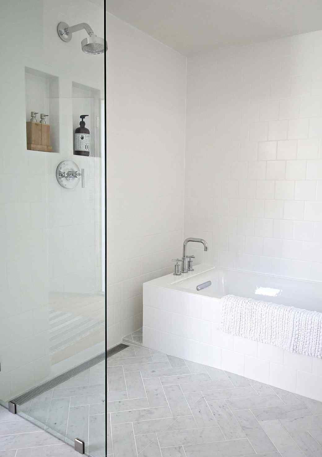 A Blah Bathroom Gets a Marvelously Modern Makeover | Pinterest ...