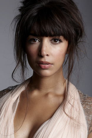 Hannah Simone I'm obsessed with her and her hair