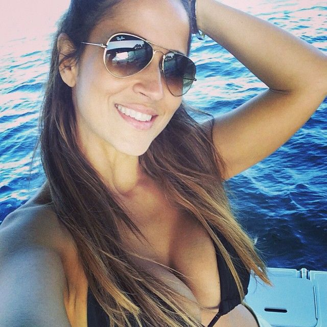 Dunia Montenegro Amanda En Un Rollito Lesbico