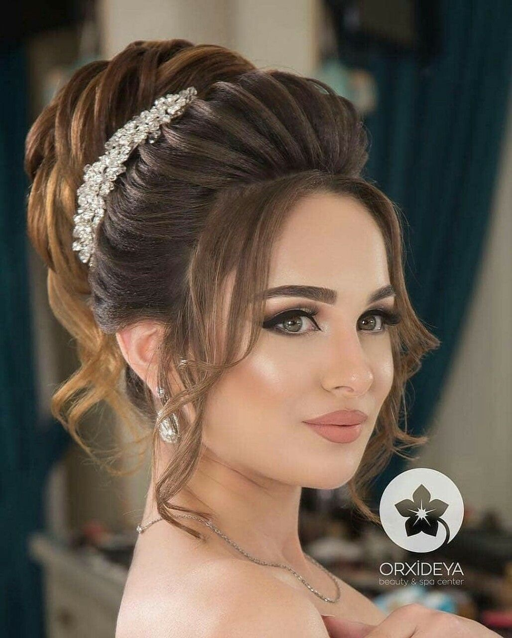 Follow Me Alizeh Khan Jannat29 For More Like This Womens Hairstyles Wedding Hairstyles Portrait Photography Women
