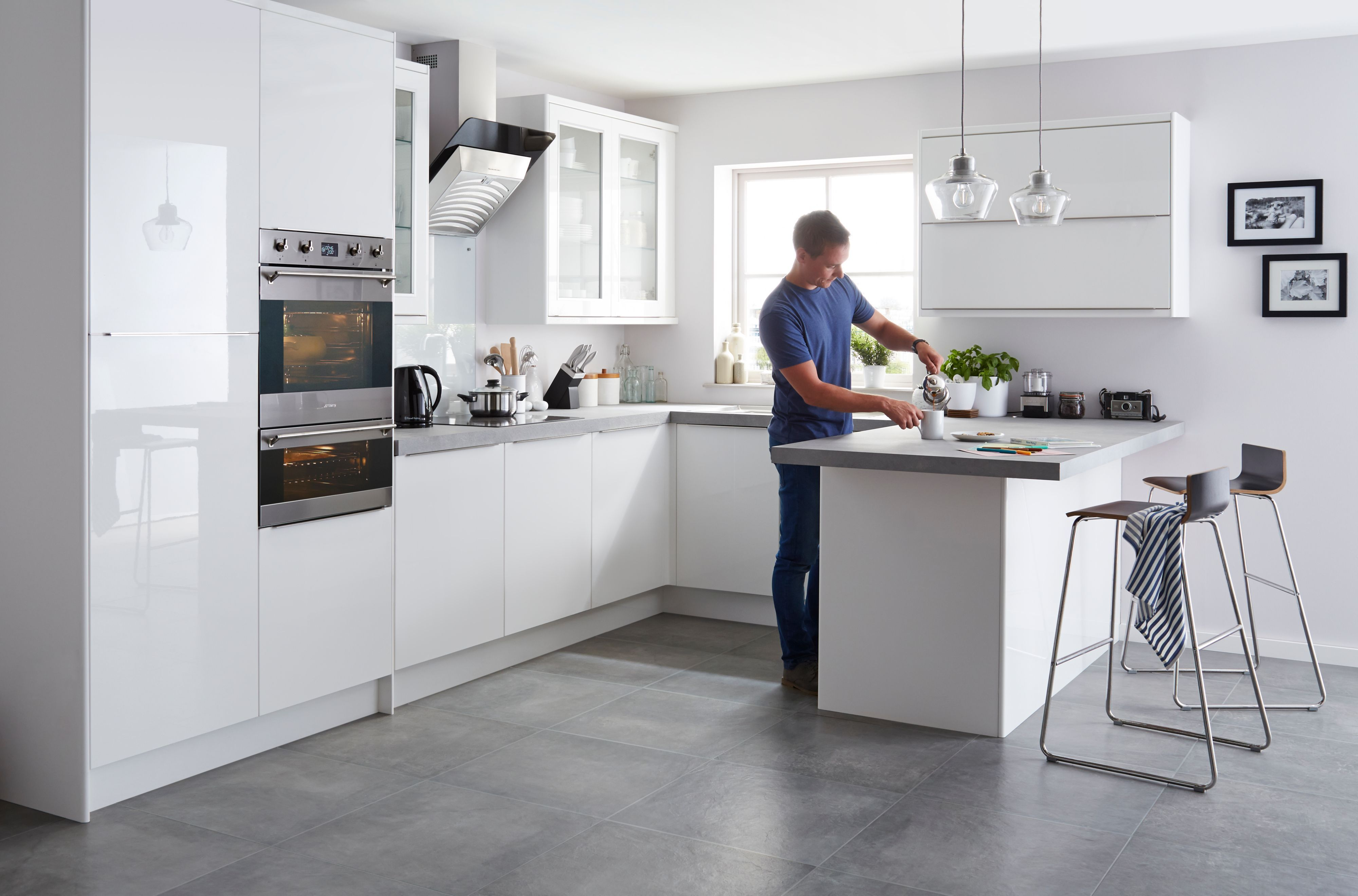 It Santini Gloss White Slab - Diy At B&Q