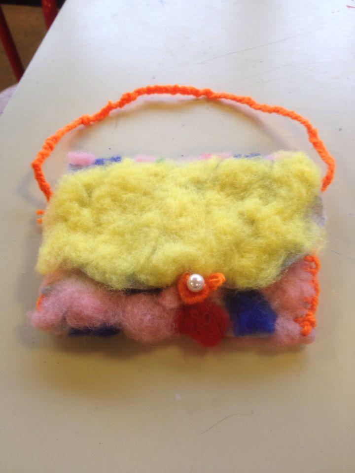 Nålefiltet taske af 8 årig