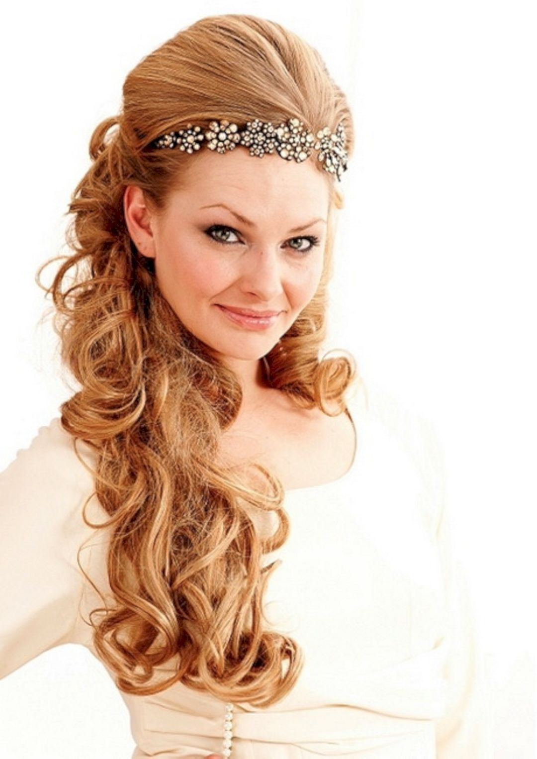 the idea of beautiful hairstyle for you to look more graceful
