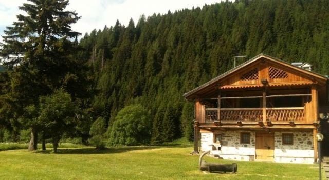 Tabià al di là de l Aiva - #Chalets - $176 - #Hotels #Italy #ZoldoAlto http://www.justigo.ca/hotels/italy/zoldo-alto/tabia-al-di-la-de-l-aiva_177318.html