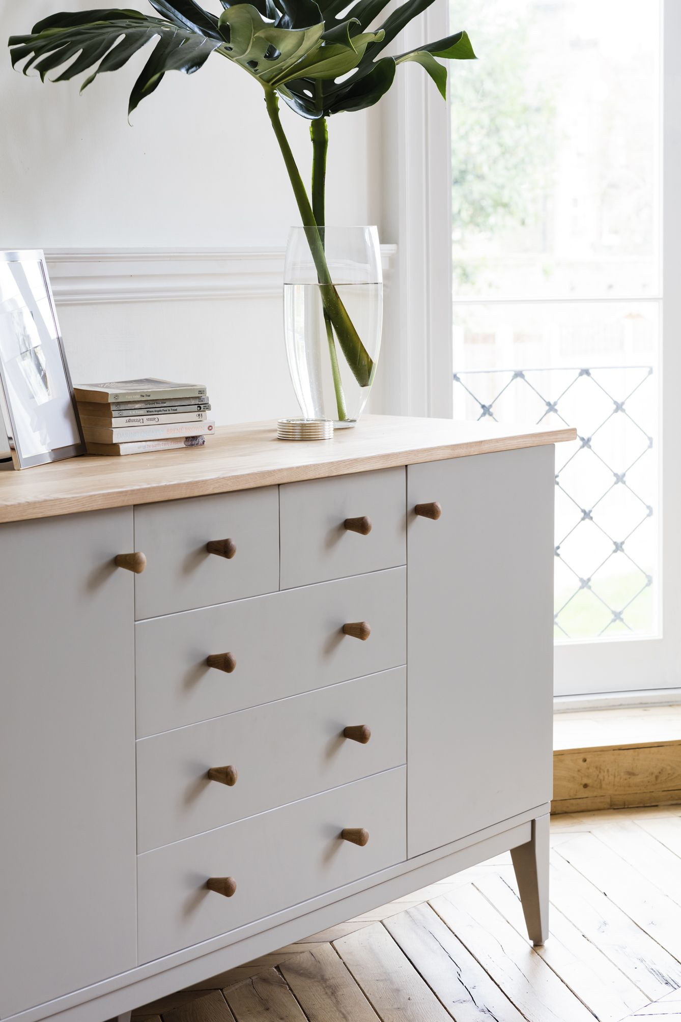 Stylish yet simple that creates a touch of informal luxury
