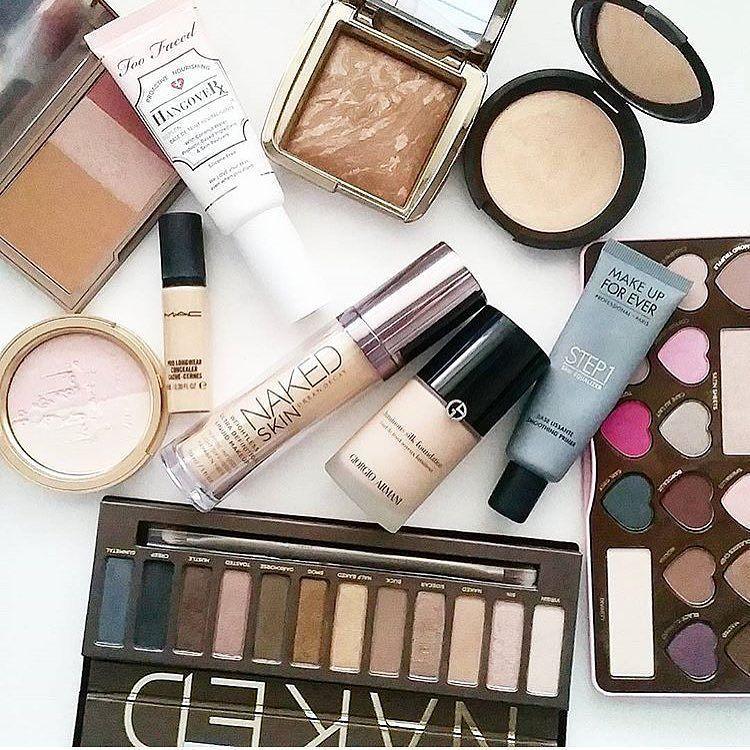 Who's ready for the weekend??  @tarynjacks #makeuprevue #mkp #mua #motd #ınstamakeup #instamake #wakeupandmakeup #makeupartist #makeupaddict #makeup #makeupjunkie