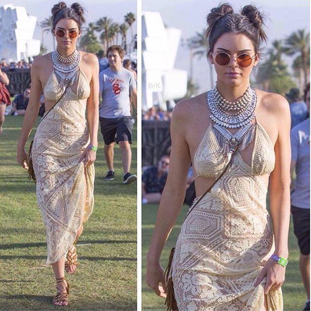 @KendallJenner  Coachella Day 1 // vintage crochet dress // sandals @aquazzura // necklace @dylanlex // sunglasses @oliverpeoples // bag @saintlaurentparis_official #STYLEDbyMonicaRose #KendallJenner #Coachella2016
