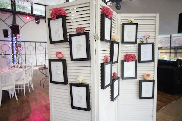 Plan de tables paravent mariage wedding id e mariage for Deco table rose et noir