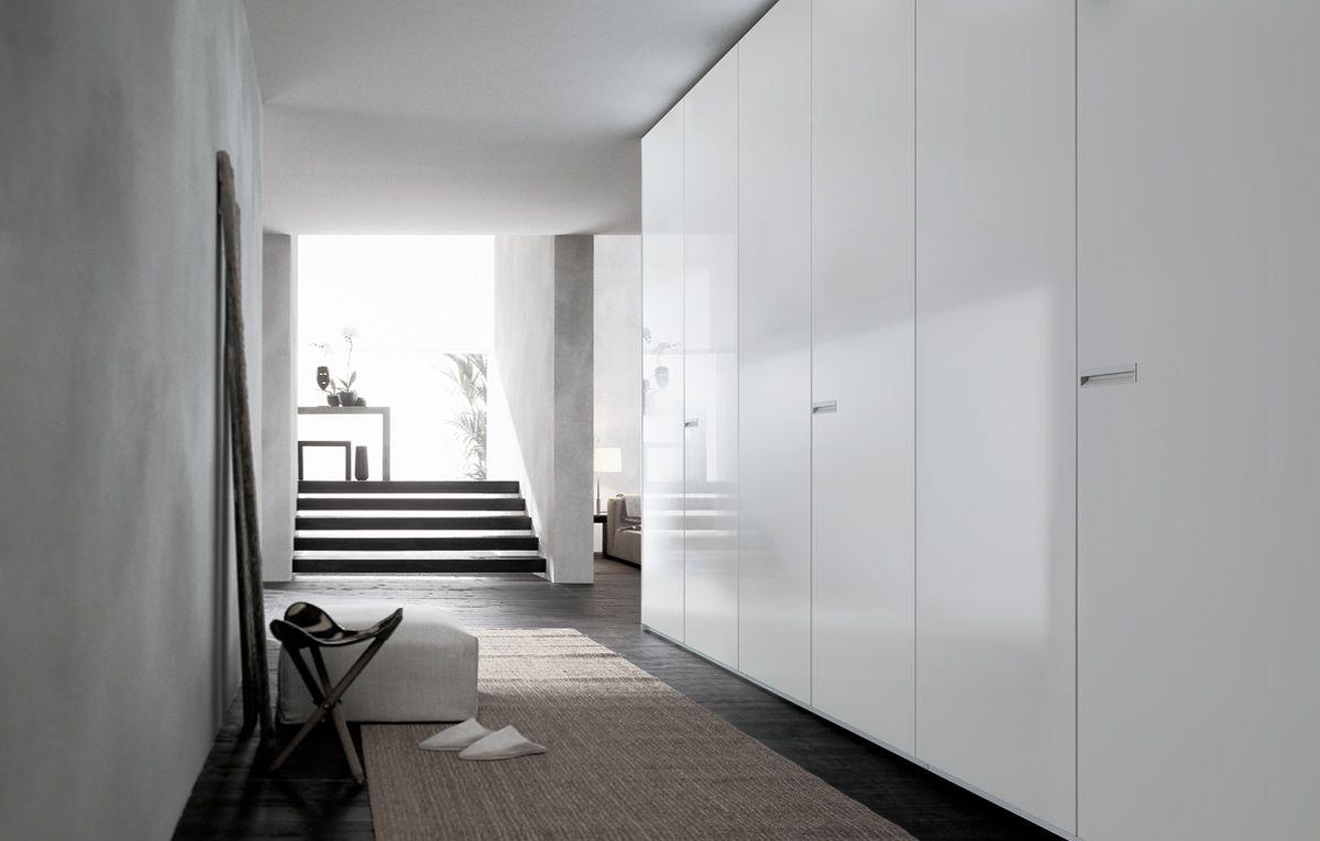 Poliform Ubik Inloopkast : Poliform club closet units sleek and gloss storage library