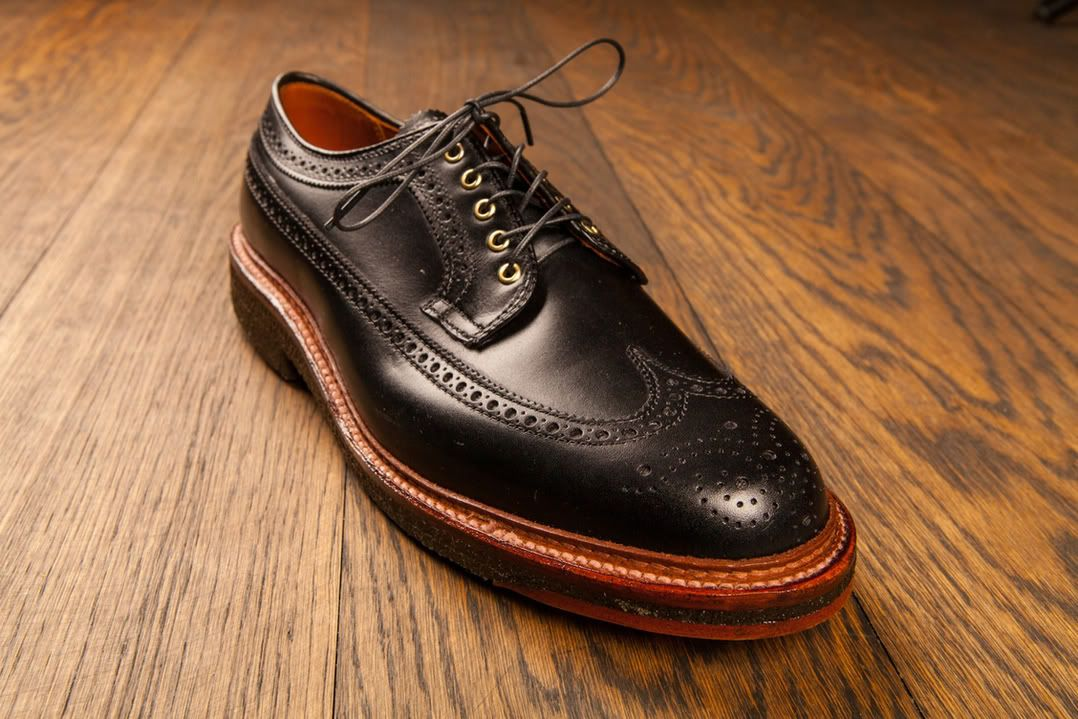 Alden black smooth calfskin longwing on crepe sole, love the brass eyelets