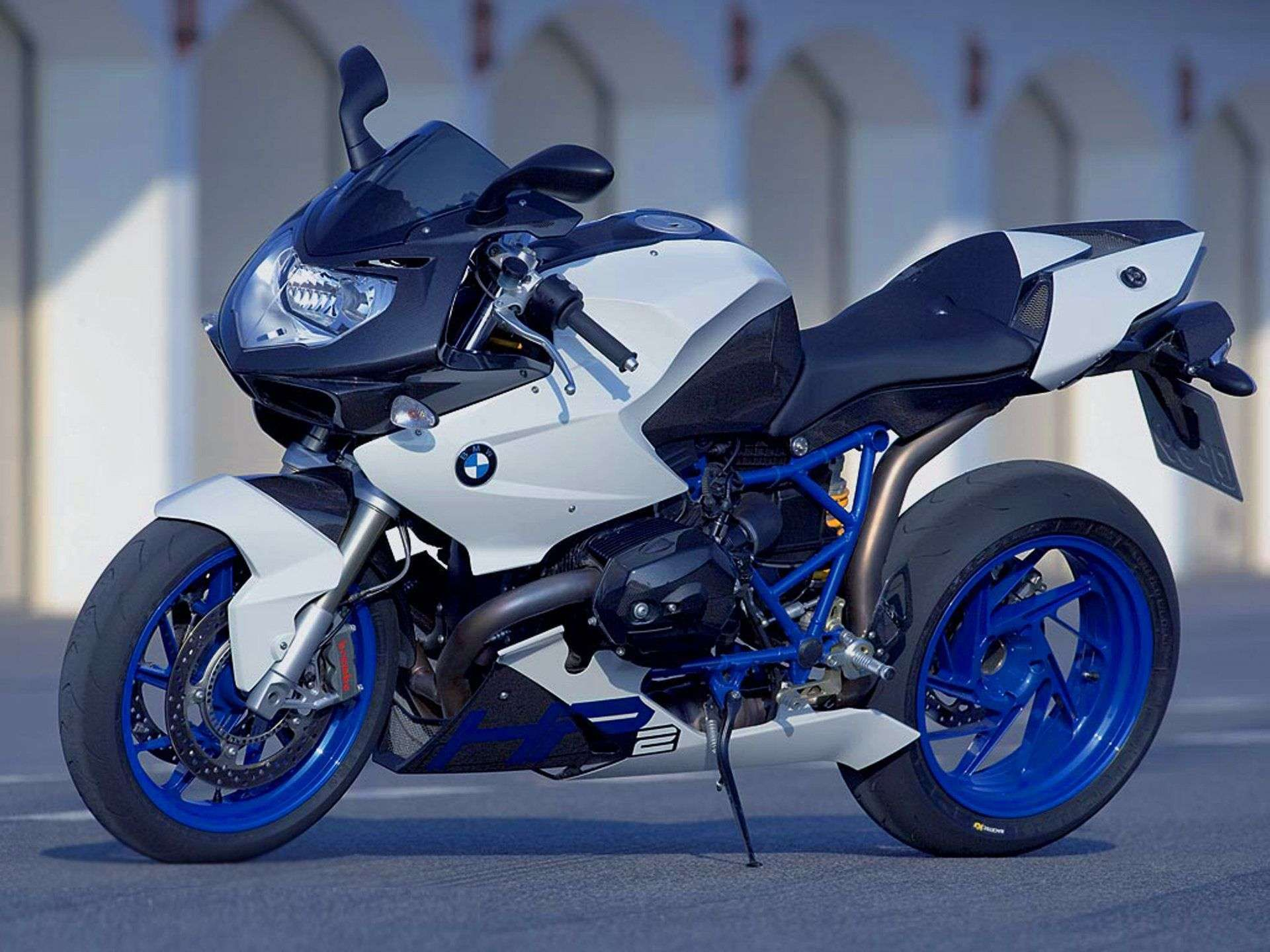 Bmw sport bike is the sportiest most powerful and lightest boxer ever manufactured by bmw sport is the same high performance spor