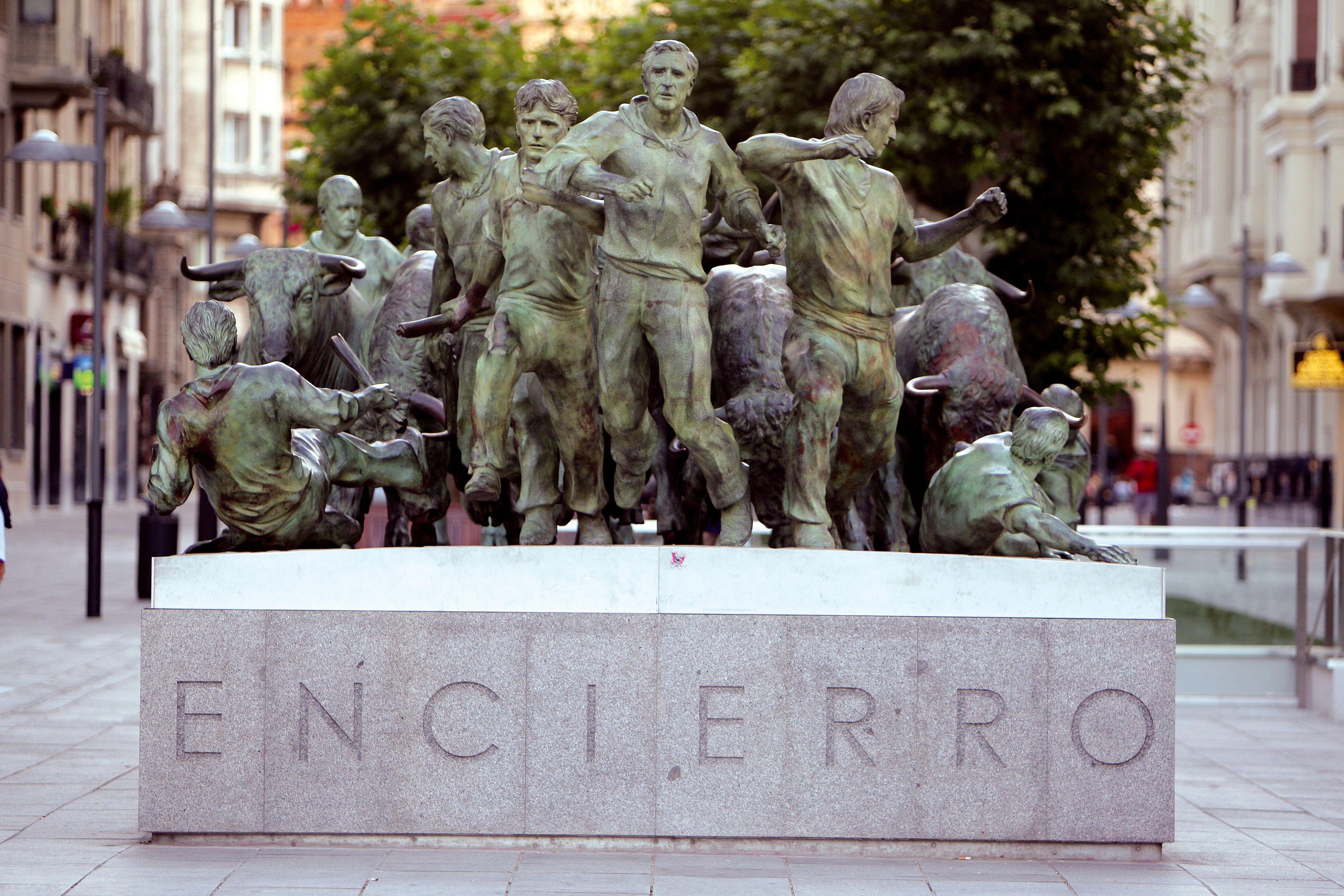 Monumento Al Encierro Pamplona Monumentos Organizar Viaje